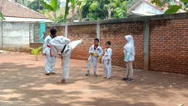 taekwondo SD Silaturahim Jatikarya Cibubur