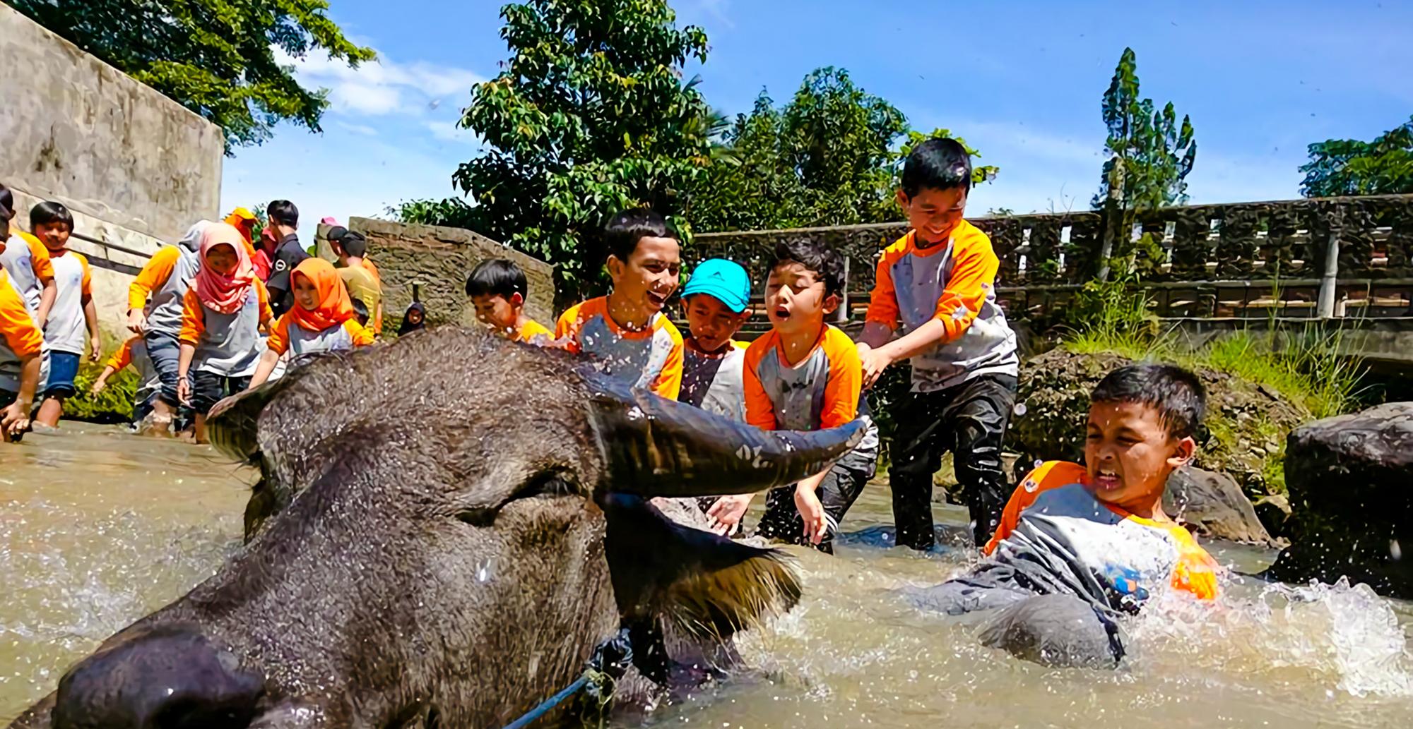 Silaturahim-Islamic-School-Goes-to-Cinangneng-2