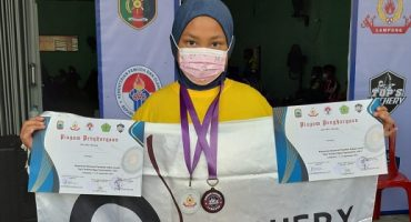 juara panahan tingkat nasional Aina Husna Sulaiman SD SIlaturahim Islamic School